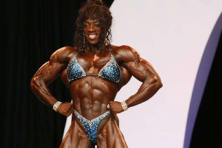 Female bodybuilder lisa cross naked workout 3