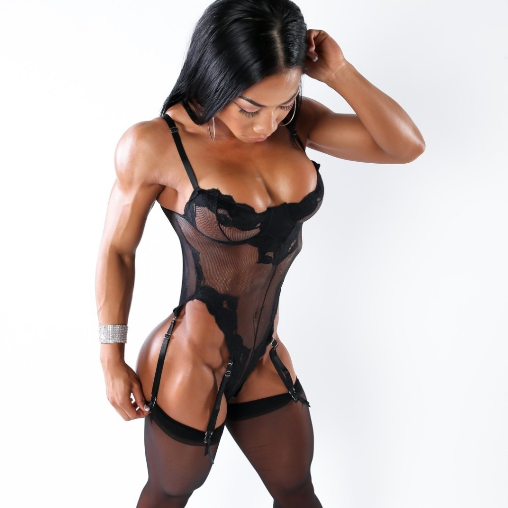 Tina Nguyen: Interview & Gallery | FemaleMuscle, Female ...